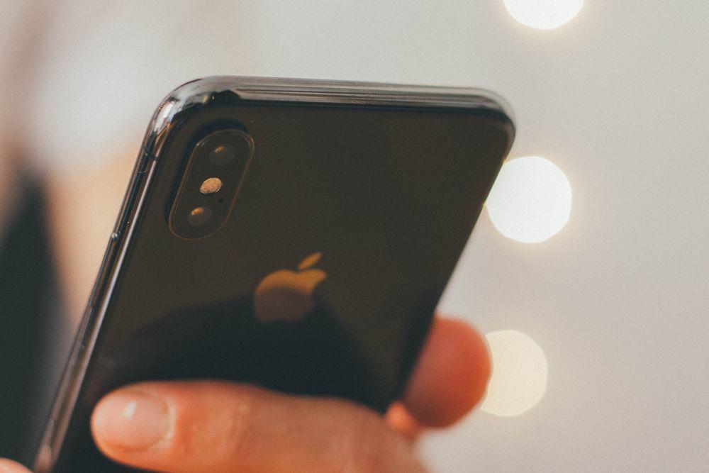 Imagen de un iPhone X, como ejemplo de una estrategia de precios perfectamente definida