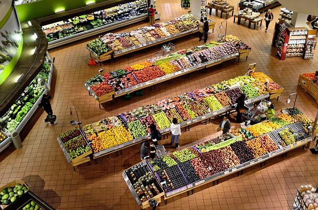 Imagen de la sección de frutería de un supermercado