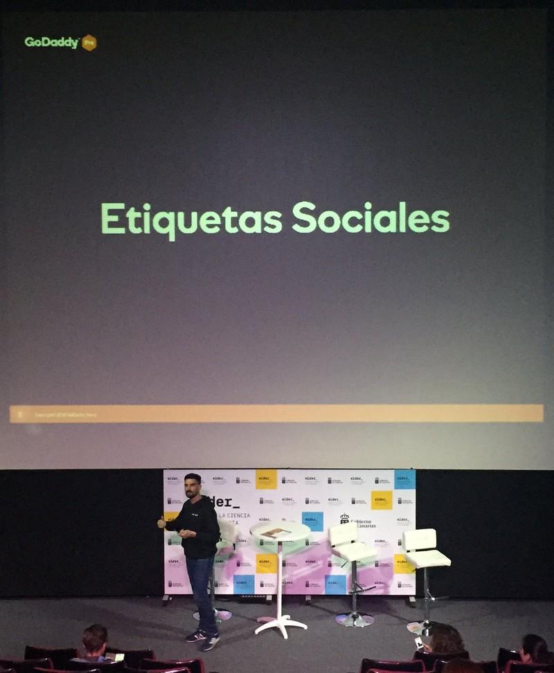 Imagen de la ponencia de Mauricio Gelves